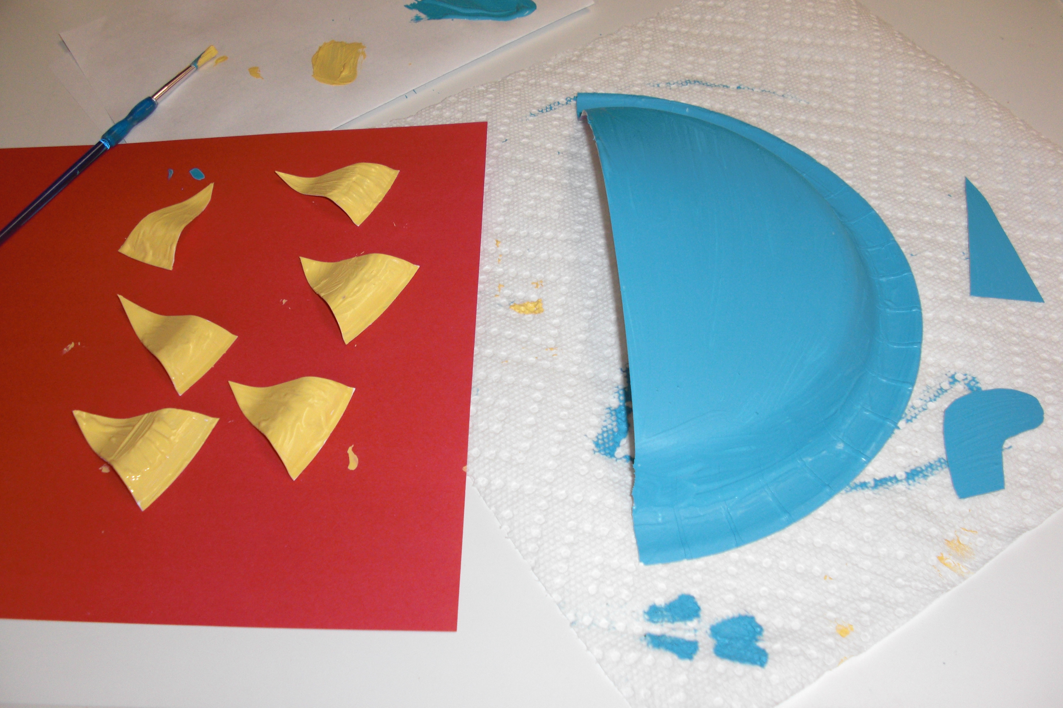 Make a Stegosaurus out of a Paper Plate | The JumpStart Blog & Dino-Mania! Make a Stegosaurus out of a Paper Plate | The ...